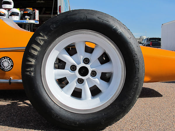 American Racing Silverstone 8-spoke alloy wheels.