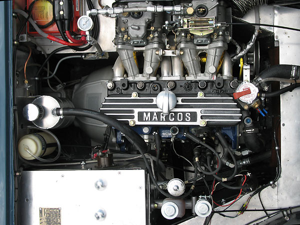 105e/109e-based, 1022cc Ford/Cosworth MAE red head engine.