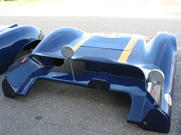 Elva Mk7 front clip. Those are GT Classic mirrors.