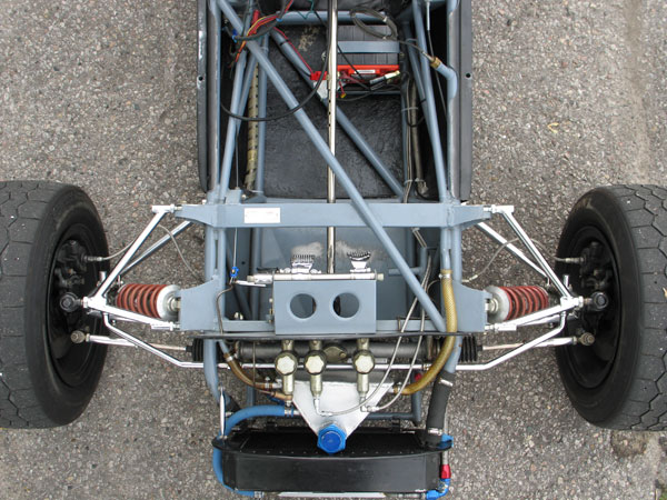 In many ways the Titan chassis bears a strong resemblance to Brabham designs which preceded it.