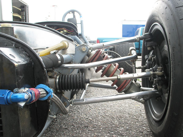 Titan made their own steering racks, and in later years provided racks to other constructors.