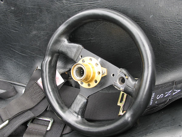 Lifeline quick release steering wheel hub.