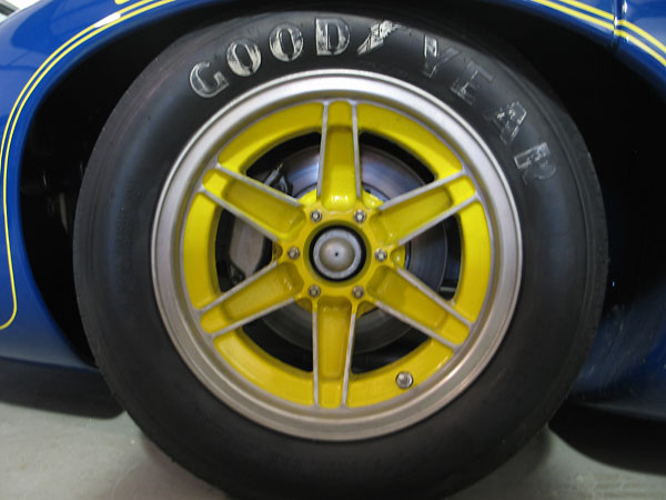 Original Lola magnesium wheels