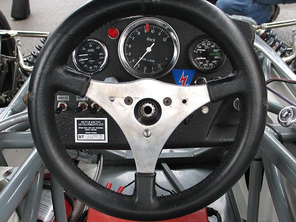 Racetech dual engine oil pressure (0-100psi) and oil temperature (40-140C) gauge.