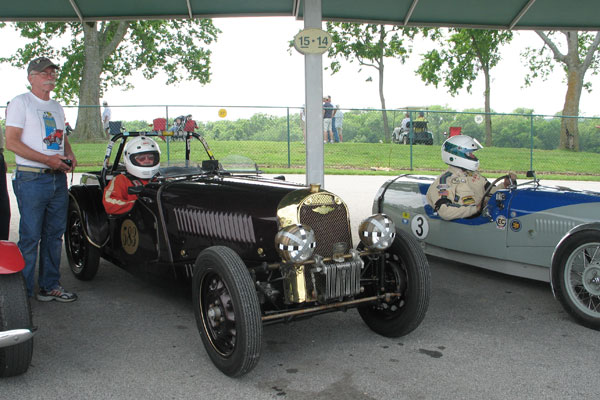 Carlton Shriver in his Morgan 4-4 prepares to race Bob Wilson and his 1935 Morgan F-2 trike.