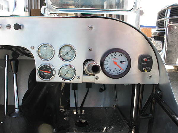 Jaeger oil pressure and temperature gauges, and Vertex tachometer