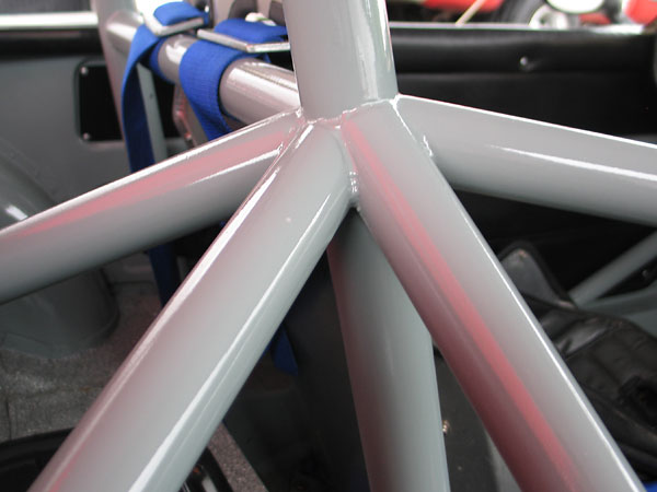 Single hoop roll cage details.