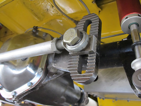 Panhard bar attachment to the rear axle.