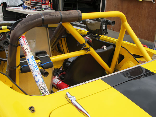 Roll cage construction details.