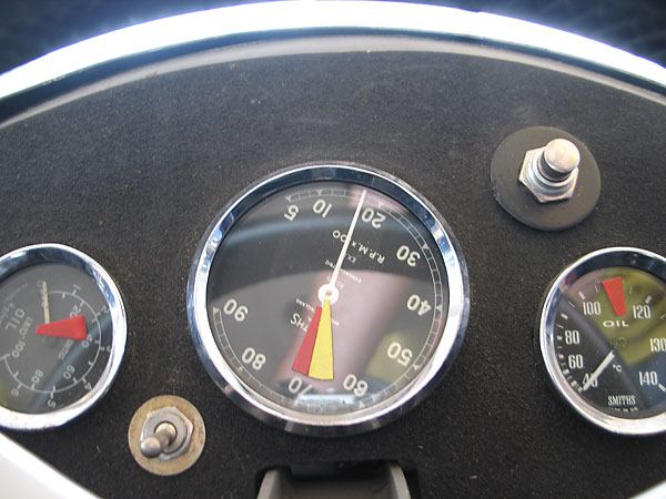 Smiths Chronometric tachometer (500-9000rpm).