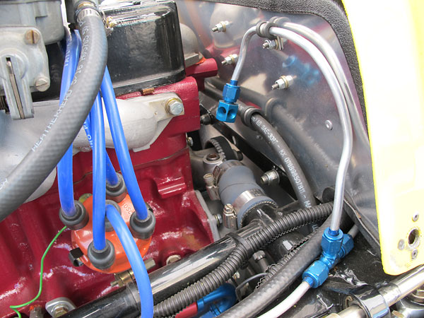 Bosch distributor with Taylor Spiro-Pro 8mm silicone spark plug wires.