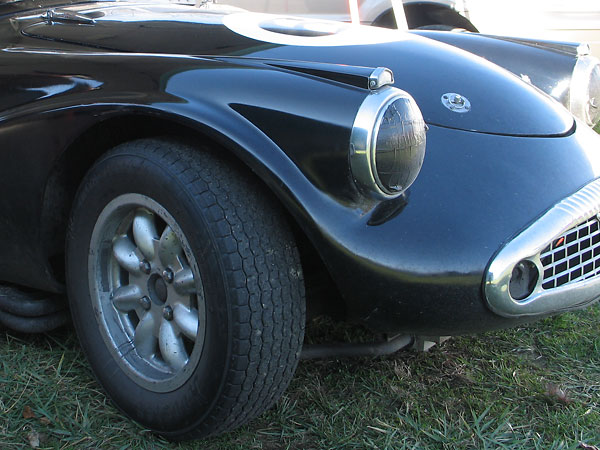 At the beginning of Daimler SP250 production, bumpers were considered optional equipment.