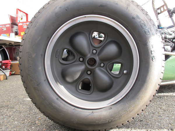 Brabham-style four stud wheels by H&H