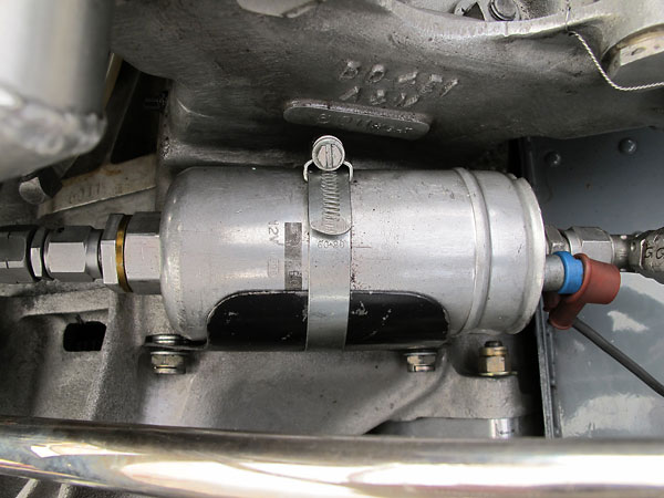 This is a relatively modern Bosch high-pressure electric fuel pump.