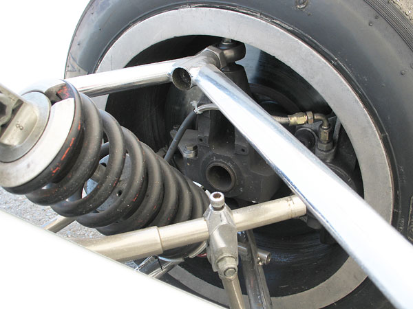Why does the anti-sway bar step down in diameter at its ends?