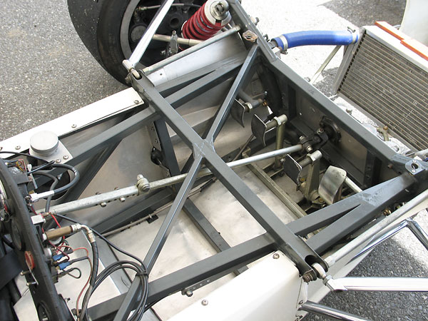 Telescoping steering column.