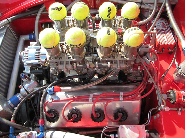 http://www.britishracecar.com/LarryLigas-Daimler-SP250/LarryLigas-Daimler-SP250-BB.jpg
