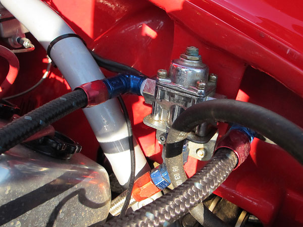 Holley adjustable fuel pressure regulator.