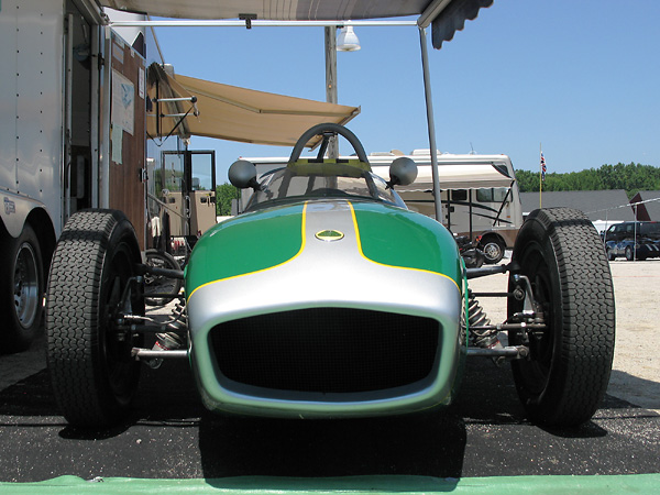 front view, Lotus 18 Junior