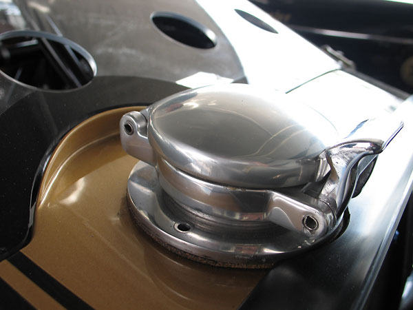 An original Aston Martin LeMans style fuel filler cap has been installed.