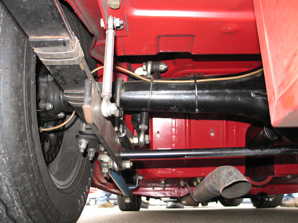Fab-Tek rear anti-sway bar.