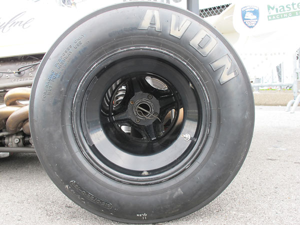 Avon racing tires (10.0/20.0/13 front and 15.0/26.0/13 rear).