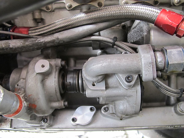 The DFV's single-rotor high pressure oil pump is mounted on the left side.