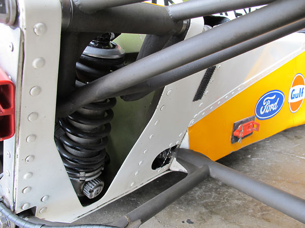 The McLaren M23 front suspension is easily serviceable.