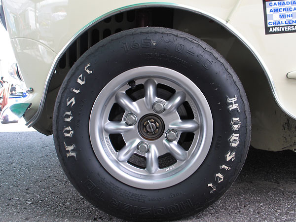 Minilite 10x5 8-spoke aluminum wheels.