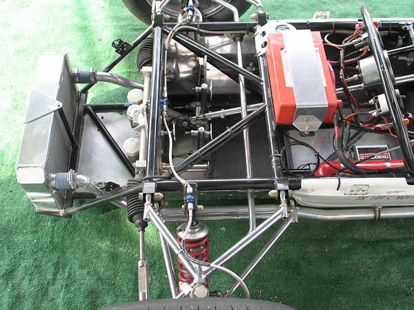 Royale differed from other early Formula Fords by not routing engine coolant through frame tubes.