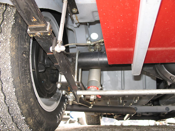 Fab-tek adjustable rear anti-sway bar.