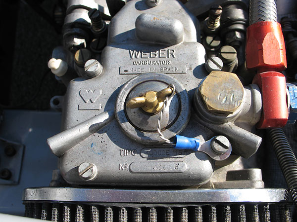 Dual Weber 40DCOE-15 carburetors.