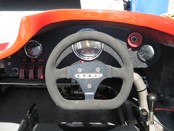 Racetech suede covered D-shaped steering wheel.